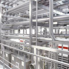 Rohrtrassen einer Produktionsanlage für Ketchup