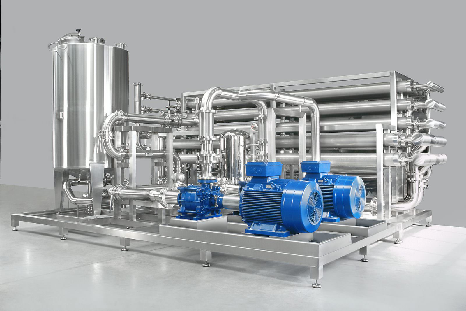 photo reverse osmosis unit for water treatment