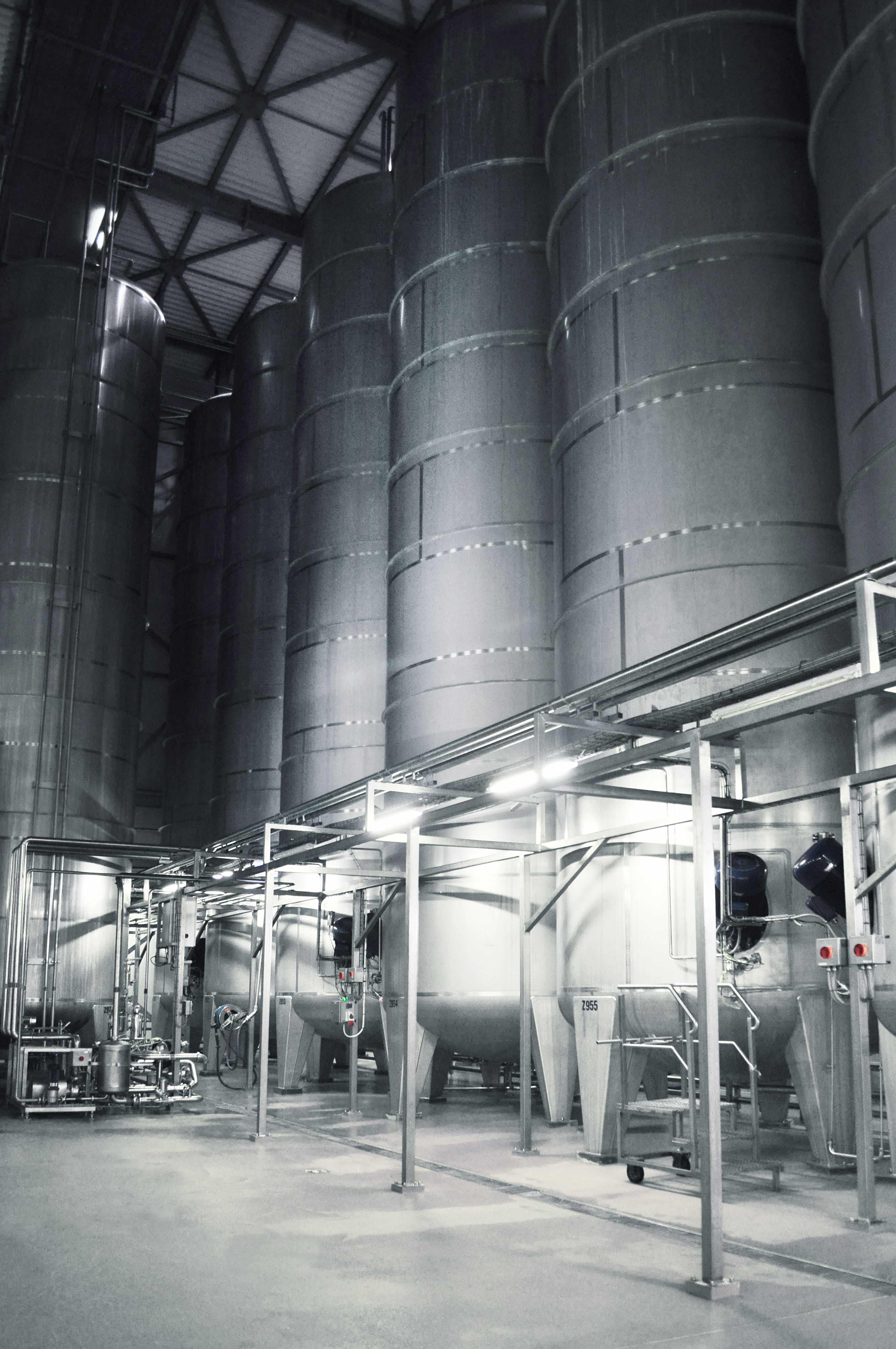 Foto Tanks für Ausmischanlage