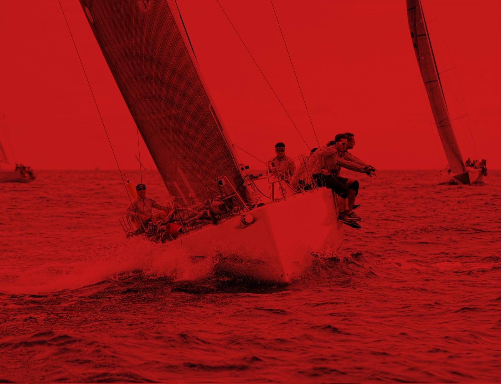 Foto Team im Segelboot