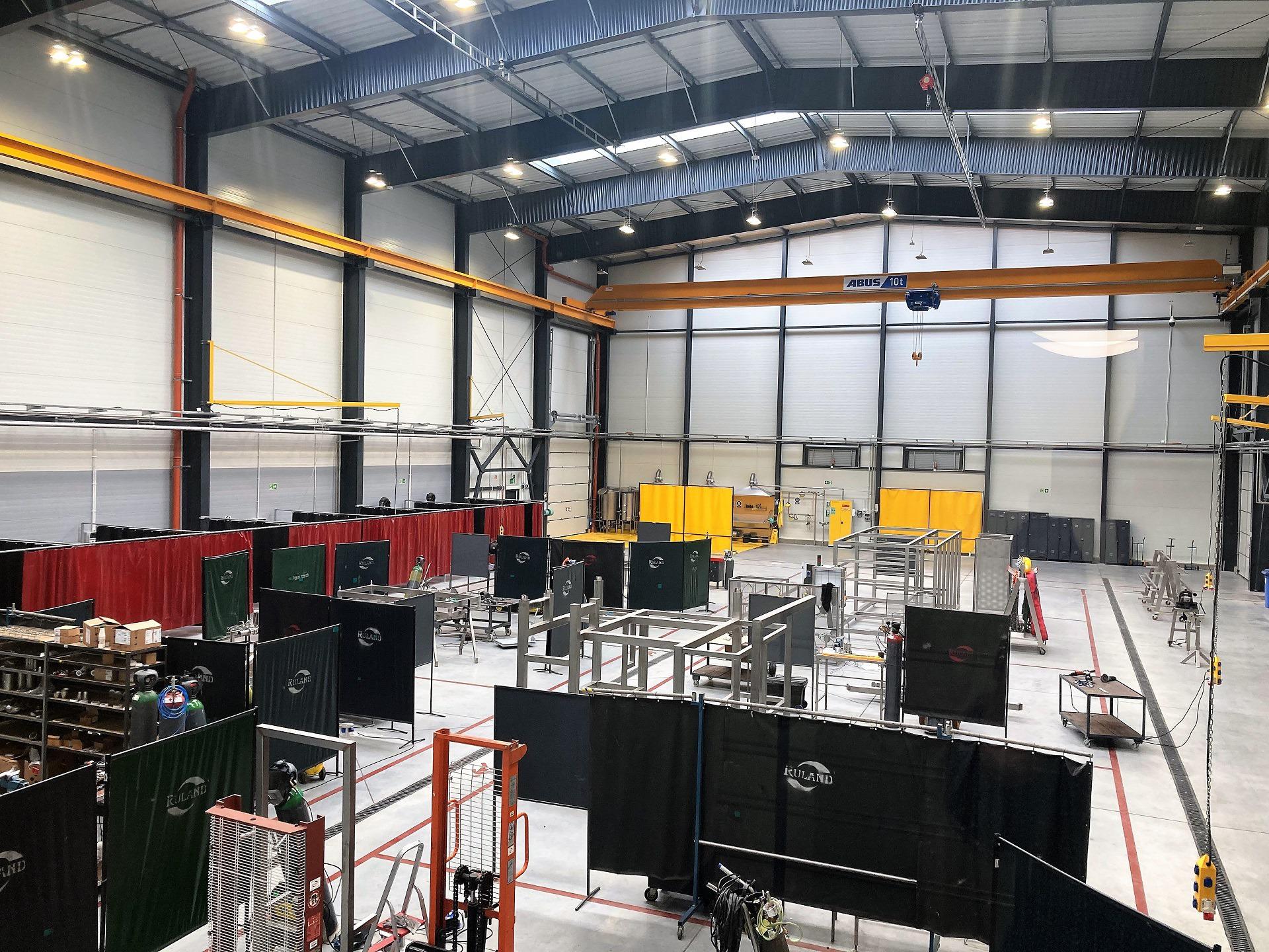 Foto: Produktionshalle von innen, Blick von oben - Tychy